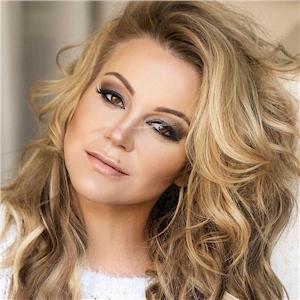 Lianie May